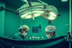 Lavado de instrumental quirúrgico con agua desmineralizada