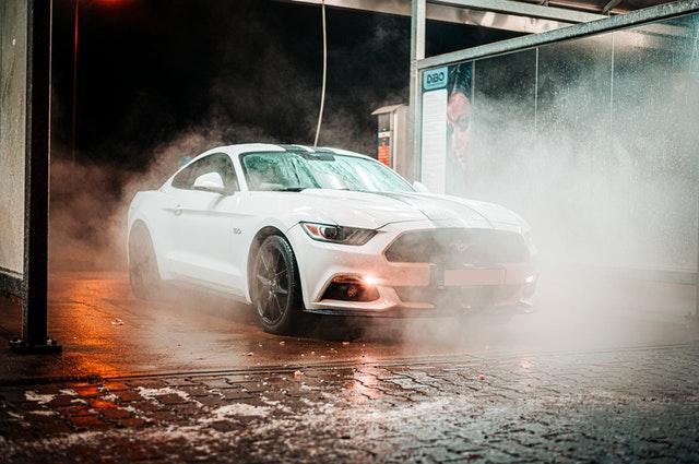 agua osmotizada para lavar coche
